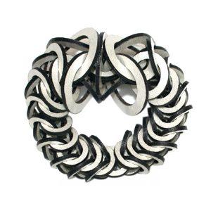 Pearl silver leather bracelet by Mojiana